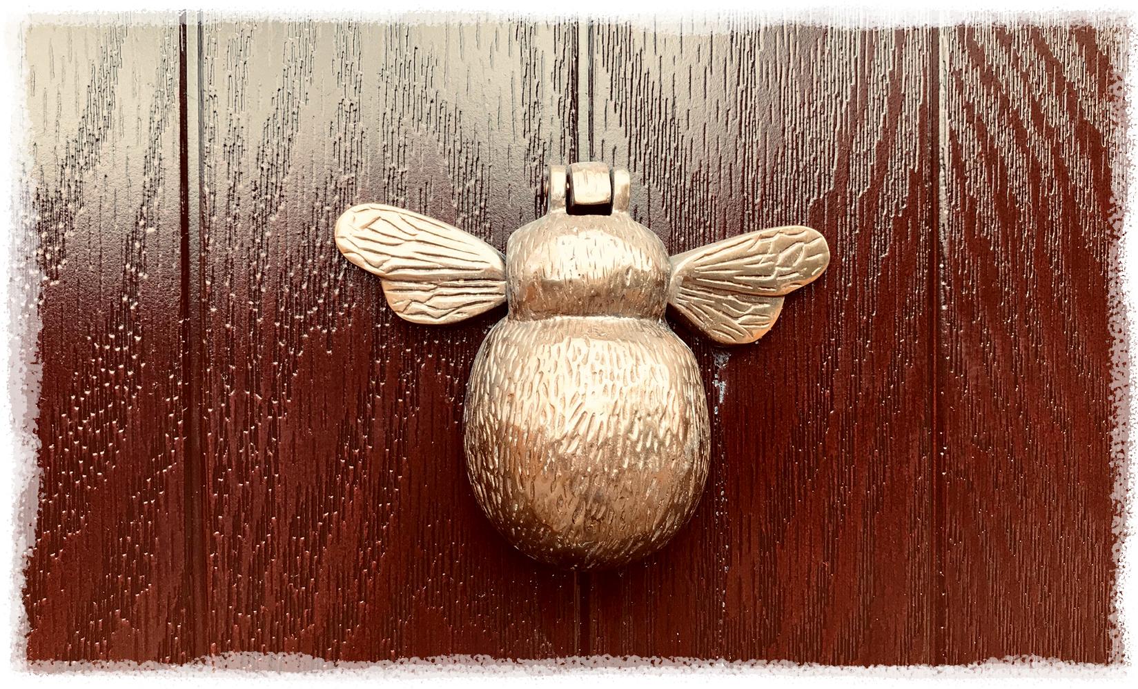 Bee_Knocker